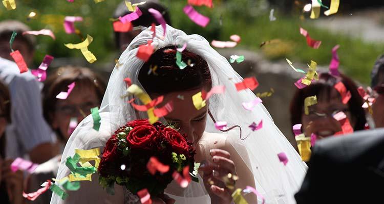 Revmo shows off her beautiful wedding dress